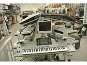 Yamaha Tyros 5 76-Key Arranger Workstation Keyboard  3 speakers