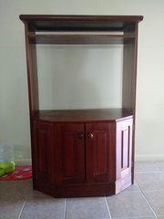 MAHOGANY TV CABINET WITH STORAGE